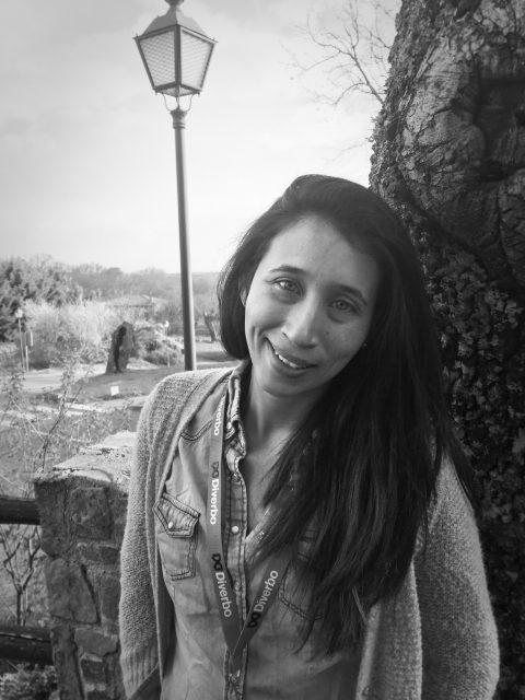 Diverbo - This is Pueblo Inglés – Paola Roldan
